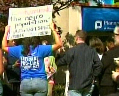 Protest at Planned Parenthood - CBN