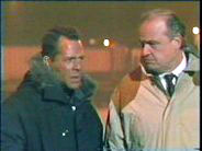 Bruce Willis, Fred Thompson in Die Hard 2